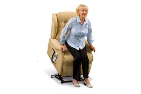 Lynton Knuckle Rise Recliner